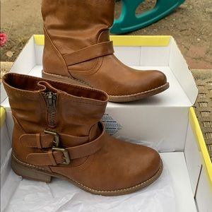 Cathy Jean boots size 5
